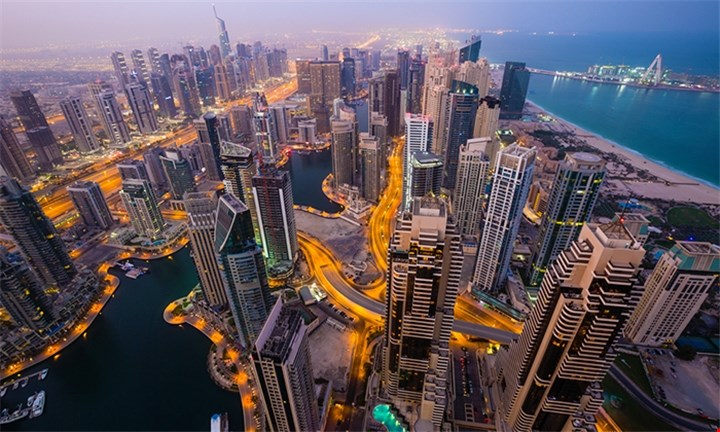 Dubai Madness: Five-night stay including breakfast,flights, all transfers, city tour and dinner cruise for R 11599 per person sharing