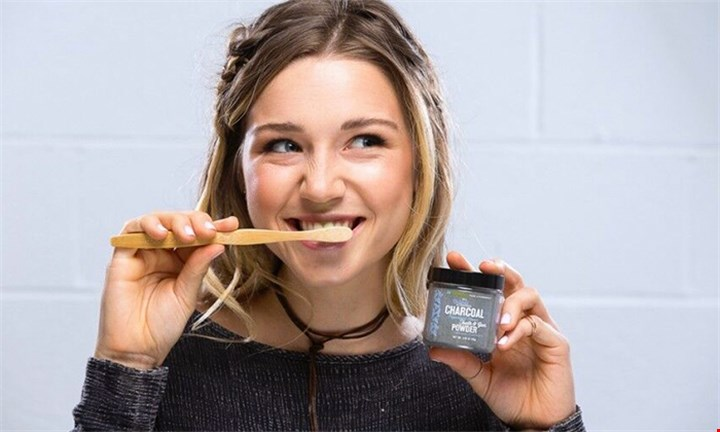Invitamin All Natural Tooth & Gum Charcoal Powder R299