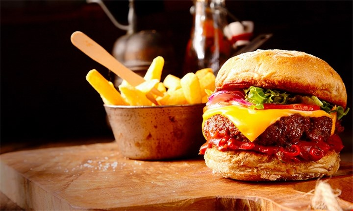Choice of Mains for Up to Four People from R129 at RT's Pub & Grill