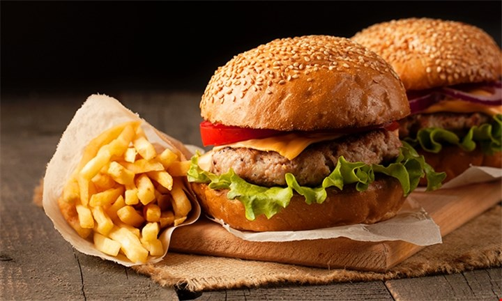 Any Choice of Burger, Wings or Curry Including Soft drink for up to 6 People