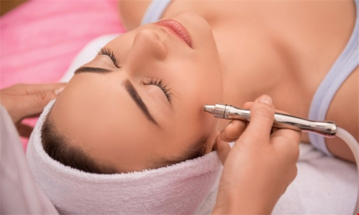 6 Sessions of Laser Skin Rejuvenation for R2799 at Dr Baumann Das Institut