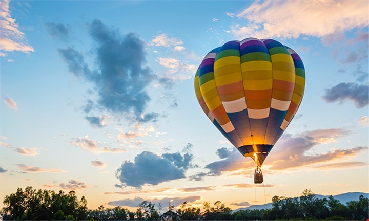 Hot Air Balloon Flight Incl Breakfast & Sparkling Wine with Air to Air Africa