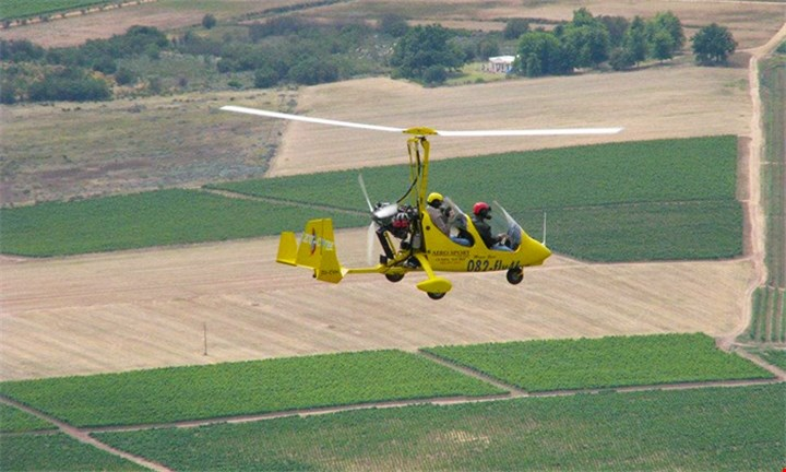 10-15 Minute Gyrocopter Ride with Aerosport