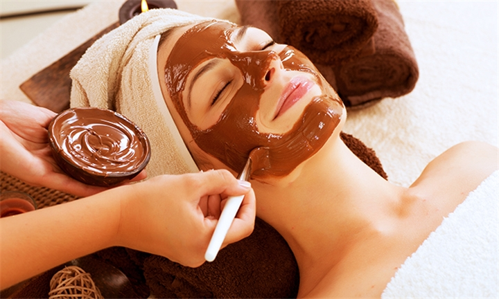 Facial with Back and Neck Massage at Placecol on the Go, Sandton City