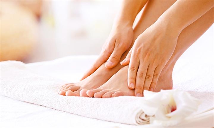 Chemical Foot Peel Treatments at 3in1 Liposlim
