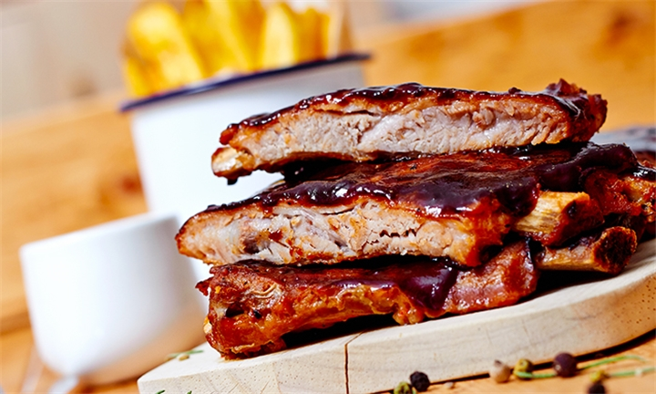 400g Ribs and Side for up to Six People with Valverde Restaurant