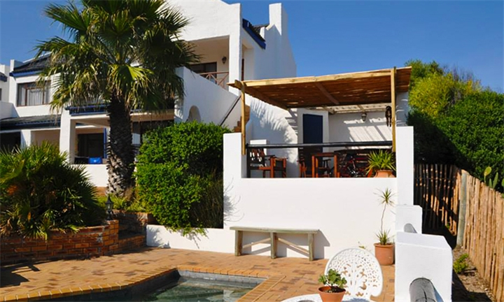 Western Cape: 1 or 2-Night Stay for Two Including Breakfast at Saxon Lodge