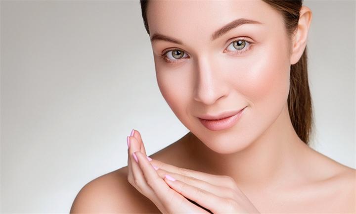 Full Face E-Light IPL Skin Rejuvenation Sessions at Dolce Vita Beauty Centre