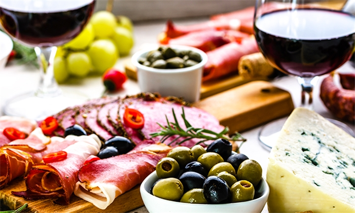 Platter and Bottle of Duckitt Wine for Two at Cloof Wine Estate
