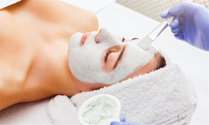 RegimA & Derca Facial Peel Sessions at French Clinic