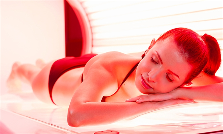 Rejuvenating Tan Sessions with Red Light Therapy at Dolce Vita Beauty Centre