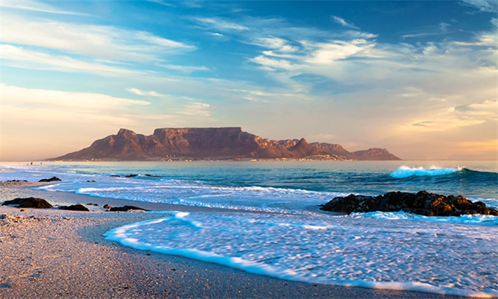 Cape Town: 3-Night Anytime Stay for Two in a 1 or 2-Bedroom Apartment at Aquarius Suites