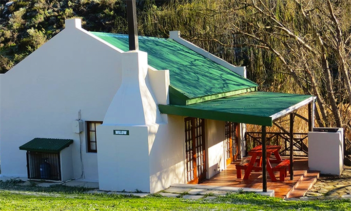 Western Cape: 1 or 2-Night Anytime Stay for up to Four at Akkerboom Country Cottages