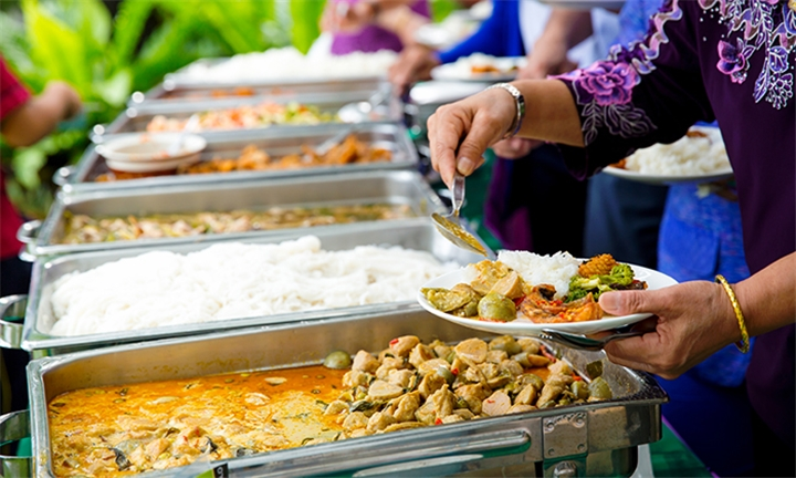 All-You-Can-Eat Sunday Buffet for up to Six Including Discount Vouchers at Tumulus Restaurant