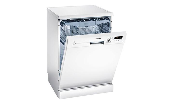 Siemens iQ100 Freestanding Dishwasher (White) for R4299