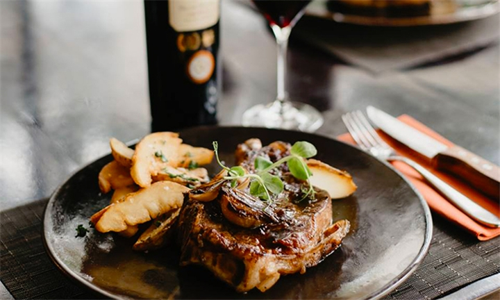 200g Steak Dinner with Side for up to Four at Simonsig