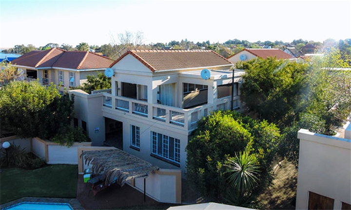 Vaal River: 2-Night Self-Catering Stay Including 3-Hour Boat Cruise for up to Four at Vaal Privé Holiday Resort