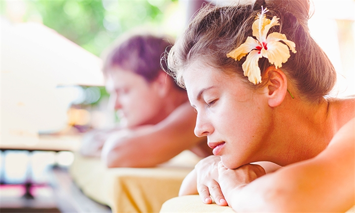 2-Hour Spa Package for Two Including Lunch or Dinner with Champagne or Wine at Shernard Spa