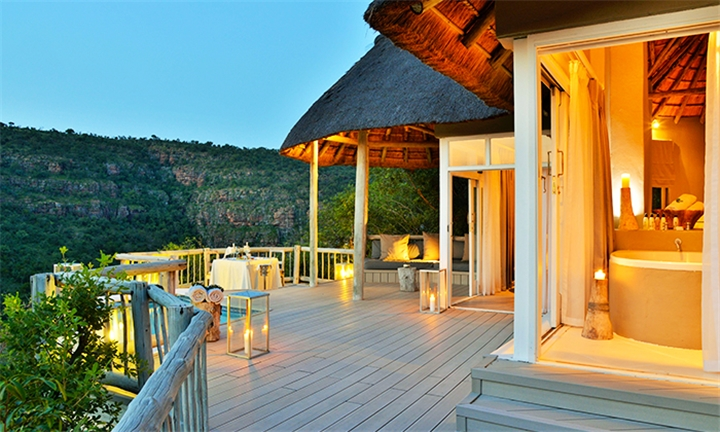 Limpopo: 1 or 2-Night Stay for Two Including Meals and 2 x Game Drives daily at Clifftop Exclusive Safari Hideaway
