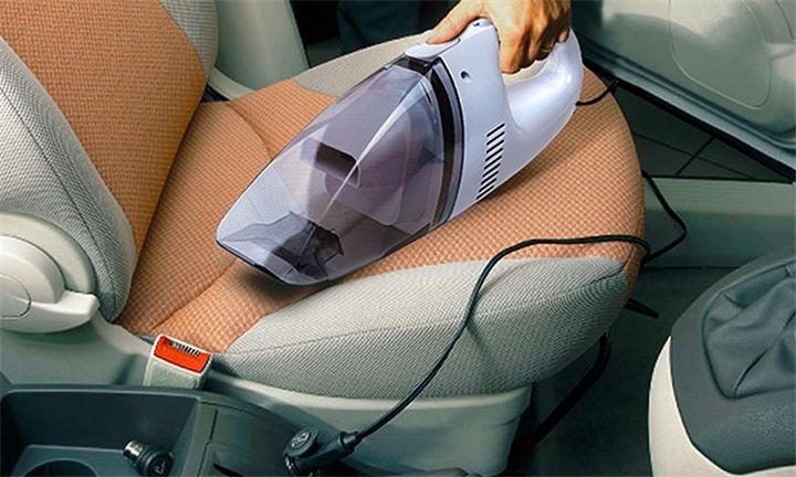 Black Series Handheld Car Vacuum for R139