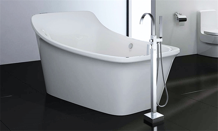 Lifestyle Standing Bathtub Mixer with Shower Handle for R3699
