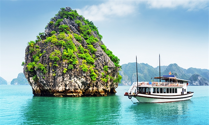 Vietnam: 6-Day Tour of Hanoi for Two