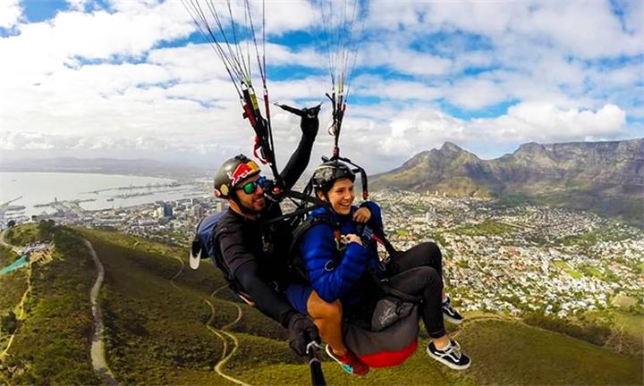 Tandem Paragliding Flight with Parapax - Tandem Paragliding