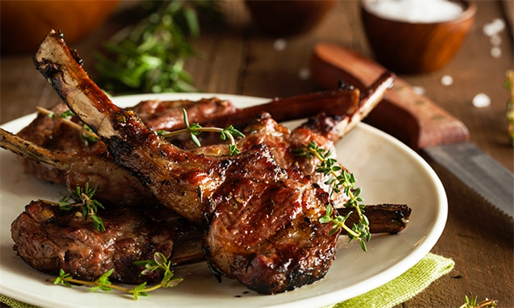 300g Lean Loin Lamb Chops Including 2 x Sides Each for up to Four at Cucina Luna Authentic Italian Restaurant