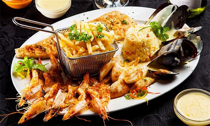 Seafood Platter for up to Four Including Bottle of Wine at Vini's Restaurant