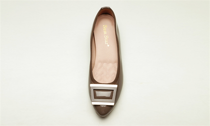 Sam Star Pointy Buckle Pump with Extra Cushions in Moccha for R999