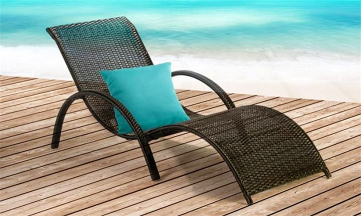 Alisa PE Rattan Sun Lounger for R1999 + Free Delivery