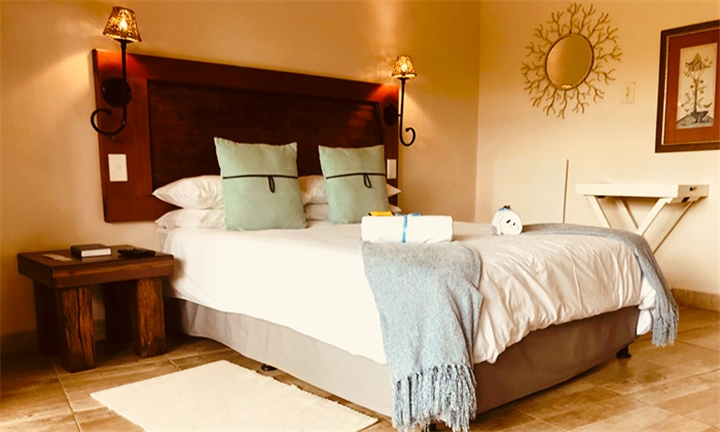 Johannesburg: 1 or 2-Night Anytime Stay for up to Four at Nice By Nature