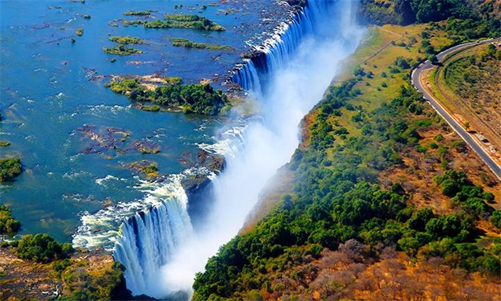 8-Day Kruger Park, Victoria Falls and Johannesburg Tour
