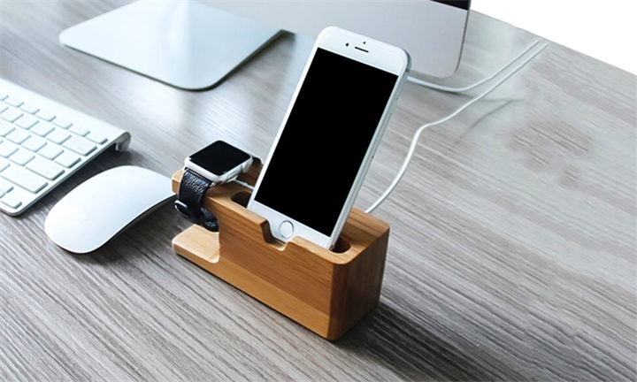 Tek88 Apple Watch & iPhone Bamboo Charge Dock for R179