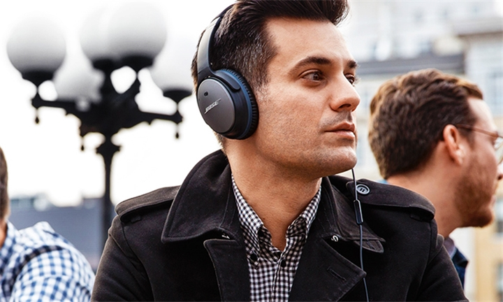 Bose QuietComfort® QC25 Acoustic Noise Cancelling Headphones for R4999