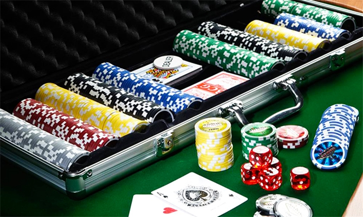 500 Piece Poker Chipset with Colour Chips for R899