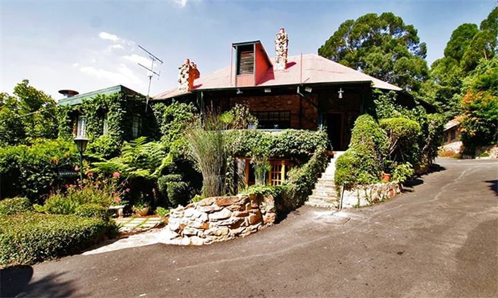 Johannesburg: 1 or 2-Night Anytime Stay for Two Including Buffet Breakfast at GL Cottages