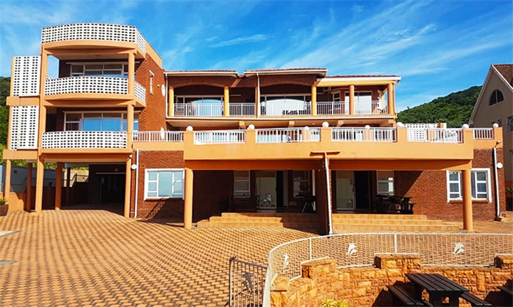 Kwa-Zulu Natal: 2-Night Anytime Self-Catering Stay for up to Eight at Golden Dawn Chalet
