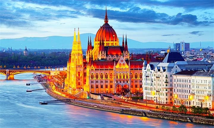 Eastern Europe: 6-Night Stay Including Breakfast, Transfers and Activities