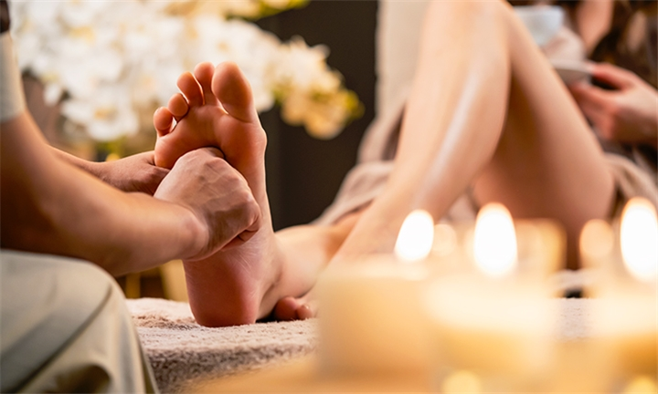 120-Minute Massage Facial Reflexology and Indian Head Massage at The Detox Studio