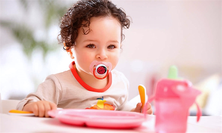 AVENT Animal Soother 6-18month x2 for R139