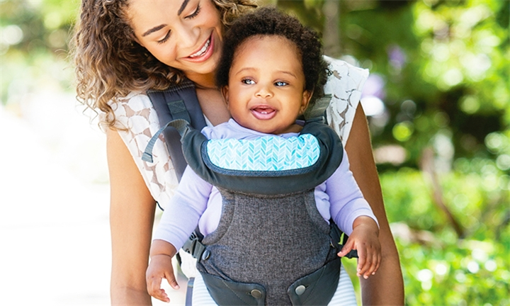 Infantino Flip Advanced 4-in-1 Convertible Carrier for R899