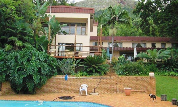 Hartbeespoort: 1 or 2-Night Anytime Self-Catering Stay for Two at Yacht View