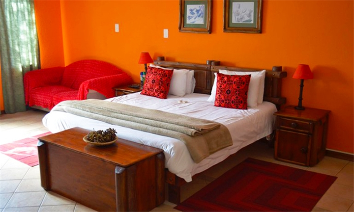 Johannesburg: 1 or 2-Night Anytime Stay for Two Including Breakfast at Valverde Eco Hotel