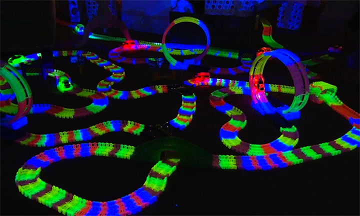 Magic Tracks 220-Piece Glow In The Dark Racing Set for R249