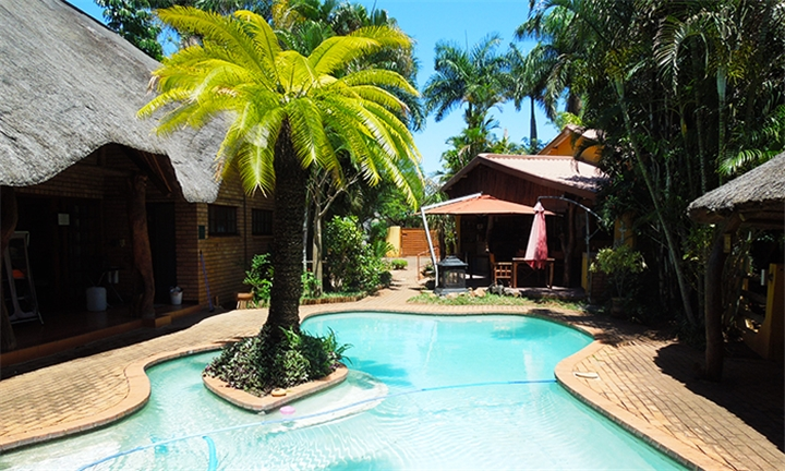 Mpumalanga: 1 or 2-Night Anytime Stay for up to Four at Trees Too Guest Lodge