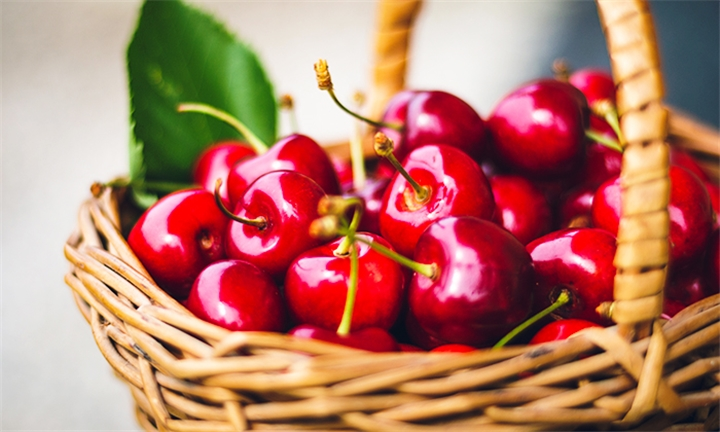 Free State: 3-Day Ficksburg Cherry Festival for Two – Clarens, Golden Gate Highlands National Park and Vredefort Dome Weekend