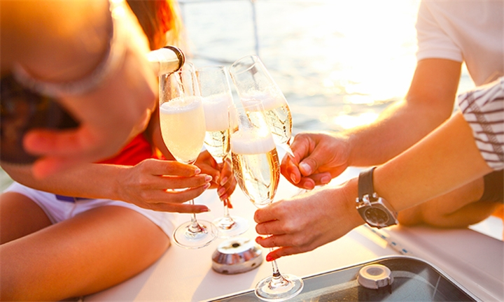 Romantic Couples Sunset Cruise Including Champagne with Tigger 2 Cruises, Departing from the V&A Waterfront