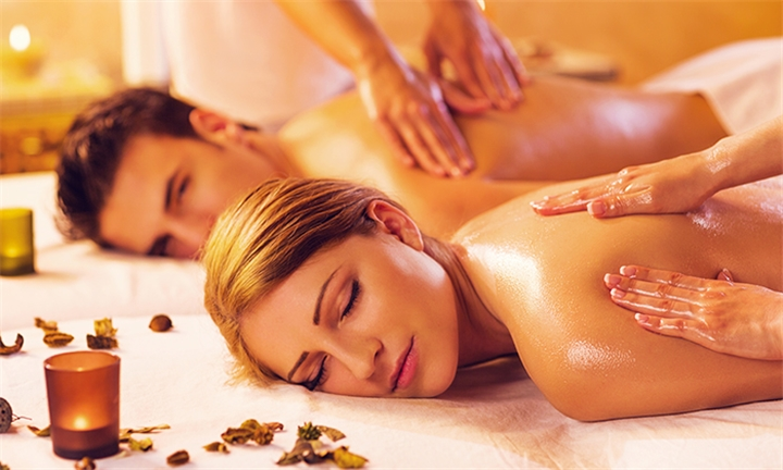 Choice of Spa Package for Two Including Welcome Drink at Pamperhauz Day Spa