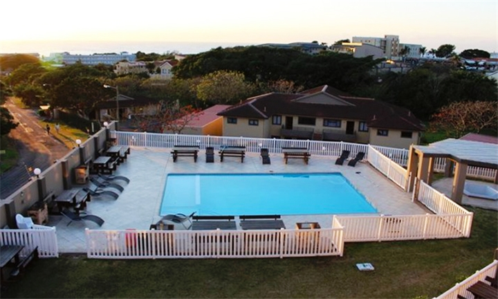 Kwa-Zulu Natal: 1 or 2-Night Anytime Stay for up to Four at Falling Waters Guest Lodge